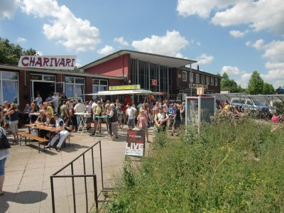 Fest vor dem Charivari am Bahnhof Wattenscheid