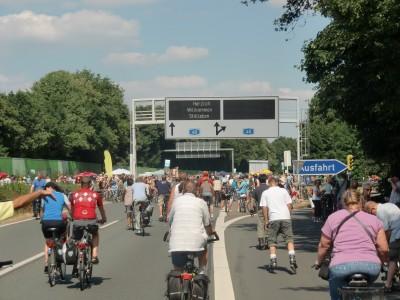 Begrüßung an der Ausfahrt Dortmund-Kley am Indupark kurz vor dem Kreuz Dortmund-West